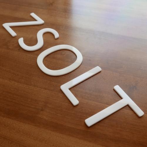 3D betűk - fehér opál plexi