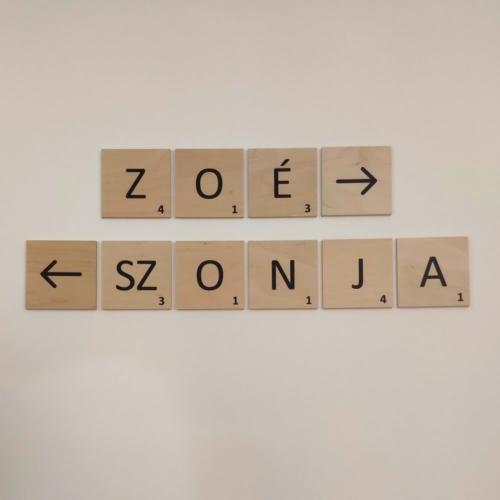 Scrabble fali betű, speciális karakter